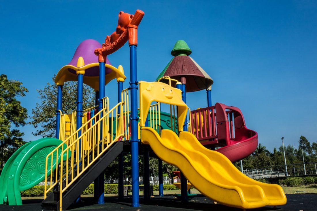 Desinfektion und Reinigung von Spielplätzen und Spielanlagen